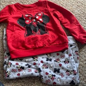 Minnie Mouse sweatsuit